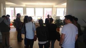 Silke Roggermann zeigt uns das Gewächshaus in Düsseldorf