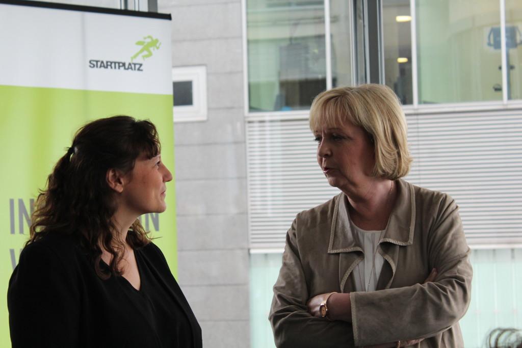Hannelore Kraft im Gespräch mit Radbonus Gründerin Nora Grazzini