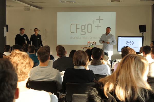 Das CFgO-Team beim Accelerator Pitch im STARTPLATZ Köln