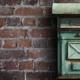 Titelbild Briefkasten an Mauerwand.